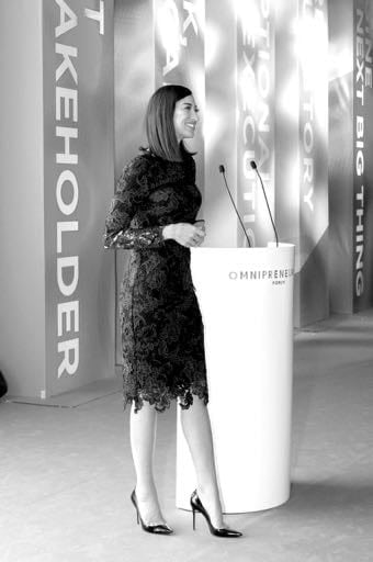 Shereen Mitwalli Best Moderator in dubai Presenting