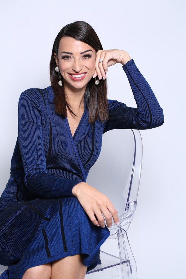 Shereen Mitwalli Best Emcee in Dubai Photshoot for Philips Campaign